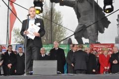Wybory Chłopa Roku 2016 - goście na czele z prowadzącym Wojciechem Brewczyńskim - fot. Krzysztof Capiga - miechowski.pl
