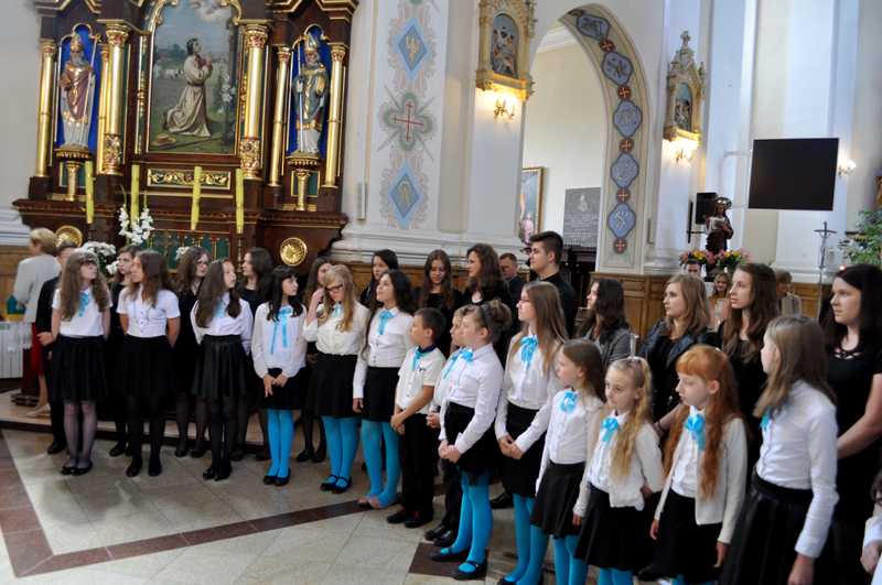 "40-lecie kapłaństwa proboszcza - koncert chóru ""Vox Animae"" - miechowski.pl - fot. K. Capiga"