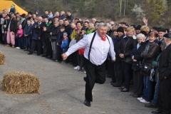 Wybory Chłopa Roku 2017 - slalom z balotami słomy - Kazimierz Jan Szubiński - fot. K. Capiga