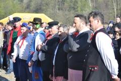 Wybory Chłopa Roku 2017 - slalom z balotami słomy - w oczekiwaniu na wyniki - fot. K. Capiga