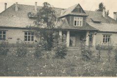 Dwór Zofii Starowiejskiej-Morstinowej w Święcicach - zdjęcie sprzed wojny