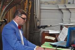 Odpust Parafialny w Książu Wielkim - organista Paweł Łukawski z parafii w Chęcinach - fot. Krzysztof Capiga - miechowski.pl