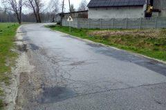Droga powiatowa w Dziaduszycach przed remontem