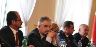 Zarząd Powiatu - od lewej: Adam Motyka, Piotr Grządziel, Anna Werys, Jerzy Pułka, Marian Gamrat - miechowski.pl - fot. K.Capiga