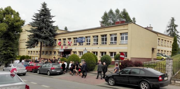 ABsolwenci LO tłumnie stawili się na jubileuszowym zjeździe - fot. K. Capiga
