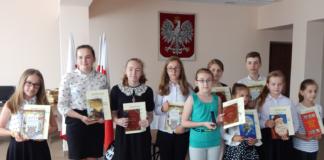 """""""Mistrzowie Pióra"""" Charsznickiej Kapuścianej Stolicy Polski"""