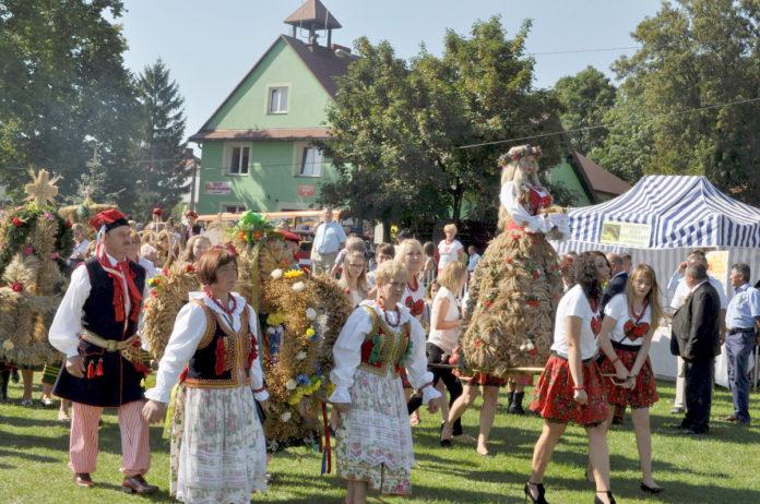 Dożynki Powiatowe i Gołczańskie Żniwogranie - Przybysławice 2016 - miechowski.pl - fot. K. Capiga