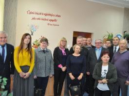 Samorządowcy ze Słaboszowa z wizytą w Bibliotece w Kozłowie - miechowski.pl fot. K. Capiga