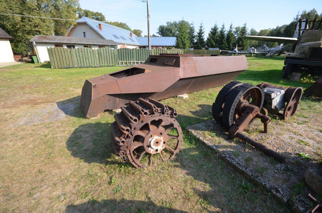 Części SdKfz 251 znajdujące się w Muzeum Orła Białego w Skarżysku-Kamiennej