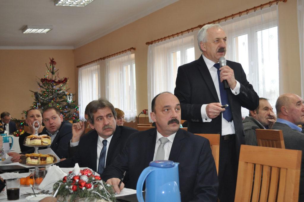 Wójt Marek Szopa prezentuje projekt budżetu na 2017 rok - miechowski.pl
