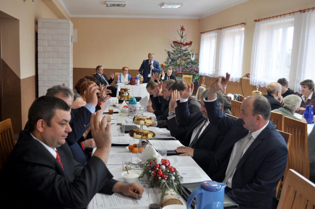 Radni jednogłośnie przyjęli budżet 2017 - miechowski.pl