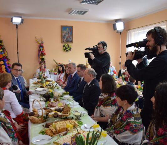 Ekipa TVP Info w Wielkanocy