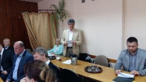 dyt. Stefan Mierzwiński składa sprawozdanie z działalności Ośrodka Zdrowia