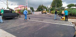 Końcowe prace przy przejeździe kolejowym w Charsznicy