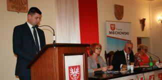 Łukasz Smółka, szef Gabinetu Politycznego Ministra Infrastruktury i Budownictwa, który omówił plany i realizacje inwestycji drogowych w Małopolsce