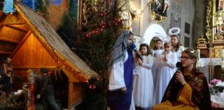 Jasełka uczniów Szkoły Podstawowej w Ksiazu Małym w miejscowym kościele