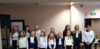 """""""Śpiewające Struny"""" z koncertem dla Rady Gminy Charsznica"""