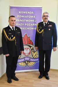 nowi komendanci PSP: z prawej komendant wojewódzki st. bryg. Marek Bębenek, z lewej miechowski komendant KP PSP - st. kpt. Michał Majda