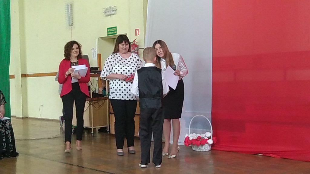 Każdy uczestnik konkursu otrzymał dyplom oraz słodki upominek.