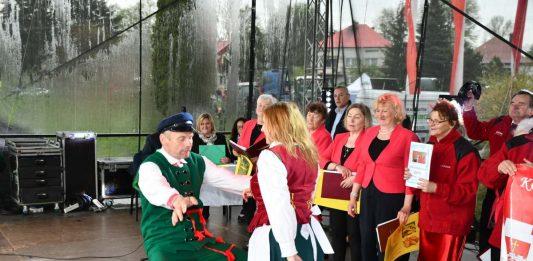 Żywiołowy taniec Szymona Płusy - Chłopa Roku 2019