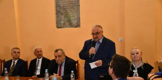 dyr. miechowskiego Oddziału - Stefan Biela, wita gości na spotkaniu biznesowym KBS w Książu Wielkim